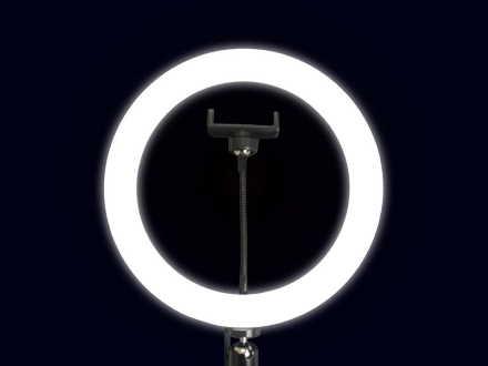 「LEDリングライト」三脚やLEDスタンドなどに設置可能