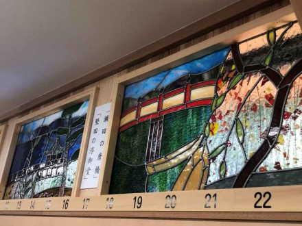 県護国神社に奉納した欄窓ガラス
