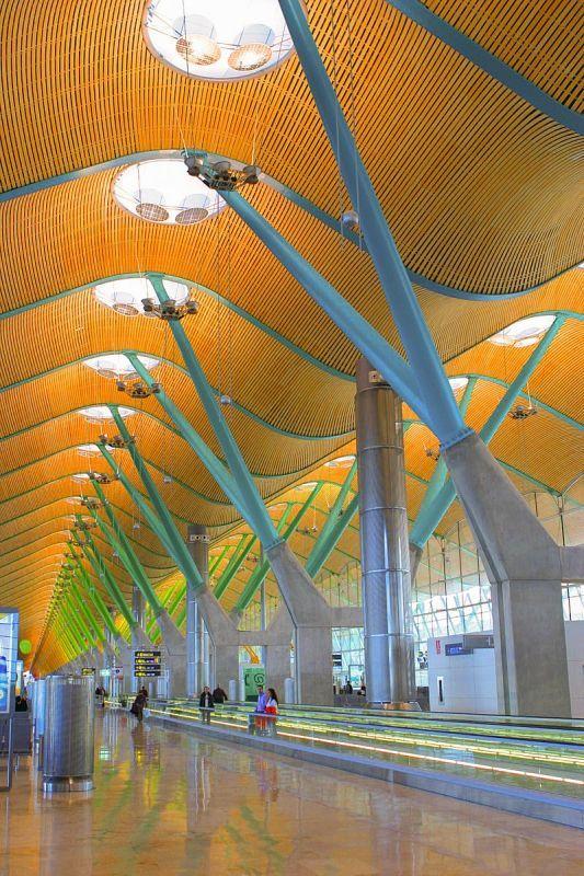 スペイン・マドリードのバラハス空港ターミナル