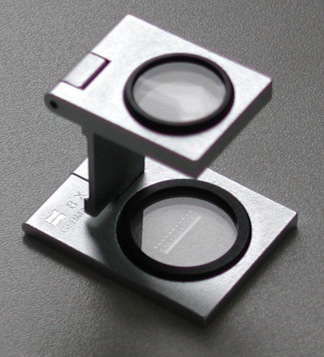 拡大鏡.主に繊維や印刷物の検査に用いるリネンテスター